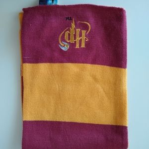 Harry Potter scarf res and yellow size  50 inches